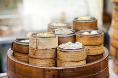 Dim sum steamers przy Chińską restauracją, Hong Kong Obrazy Royalty Free