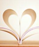 Dimensión de una variable del corazón de las paginaciones del libro imagenes de archivo