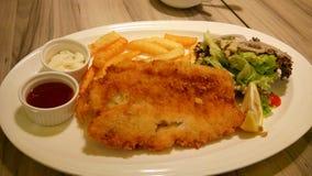 Dimensione di XL delle patate fritte del pesce n immagine stock libera da diritti
