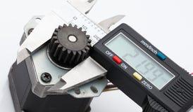 Dimensione elettronica di misura del calibro dell'ingranaggio Fotografia Stock
