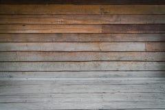 Dimensionellt rum med ett trä Paneled vägg- och trägolv fotografering för bildbyråer