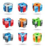 Dimensiones de una variable brillantes metálicas cúbicas y cilíndricas Fotos de archivo