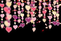 Dimensiones de una variable colgantes del corazón en inconsútil horizontal negro Foto de archivo
