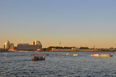 Diminuição no rio Neva em St Petersburg Imagem de Stock Royalty Free