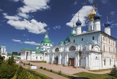 Dimitrievsky en Zachatievsky-kathedralen van het Klooster spaso-Yakovlevsky in Rostov stock foto's