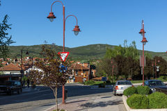 DIMITROVGRAD SERBIEN -16 APRIL 2016: Mitt av staden av Dimitrovgrad, Pirot region, Serbien royaltyfri fotografi