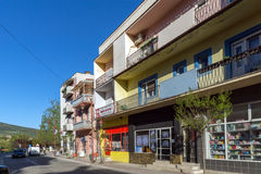 DIMITROVGRAD, SERBIEN -16 IM APRIL 2016: Mitte der Stadt von Dimitrovgrad, Pirot-Region, Serbien Lizenzfreie Stockfotografie