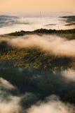 Dimma över en dal 2 Arkivfoto