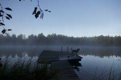 Dimma över sjön i Finland Royaltyfria Foton