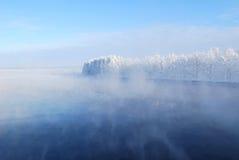 dimma över vatten Arkivfoton
