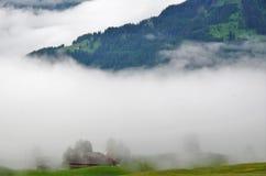 Dimma i bergen Fotografering för Bildbyråer