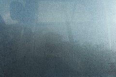Dimma på bilfönsterexponeringsglas, dimmatextur och bakgrund arkivbild