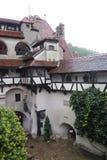 Dimmig dag i slotten fotografering för bildbyråer