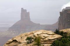 Dimmig dag på den Canyonlands nationalparken Royaltyfri Fotografi