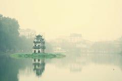Dimmig dag på Hoan Kiem sjön Royaltyfria Foton