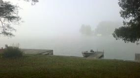 dimmig morgon för lake Royaltyfri Foto
