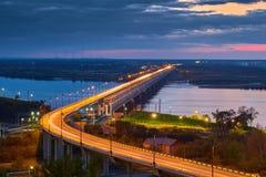 dimmig morgonflod för bro Arkivbilder