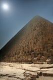 dimmig pyramid arkivfoton