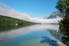 Dimmig sjö Bohinj Royaltyfri Foto