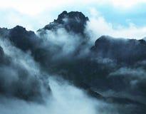 dimmiga berg Royaltyfria Bilder