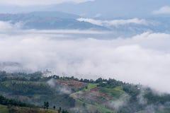 dimmiga berg fotografering för bildbyråer