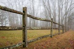 Dimmigt staket Royaltyfri Bild