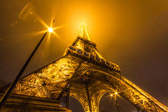 Dimmigt turnera Eiffel Fotografering för Bildbyråer