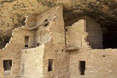 Dimora di scogliera dell'nativo americano Fotografia Stock