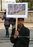 Dimostrante contro i campi di concentramento Fotografie Stock