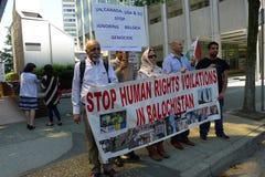 Dimostranti pakistani prima del consolato generale degli Stati Uniti a Vancouver Fotografie Stock Libere da Diritti