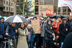 Dimostranti riuniti a Kleber Square che protesta il pla del governo Fotografia Stock Libera da Diritti
