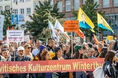 Dimostratori che protestano contro la polizia turca di presidente Erdogan Fotografia Stock Libera da Diritti