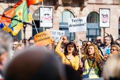 Dimostratori che protestano contro presidente turco Erdogan polic Immagini Stock