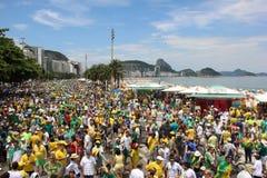 Dimostrazione in accusa di sostegno di Dilma Rousseff in Copacabana Fotografie Stock Libere da Diritti