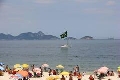 Dimostrazione in accusa di sostegno di Dilma Rousseff in Copacabana Immagine Stock