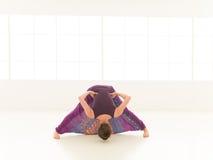 Dimostrazione del indor di posa di yoga Immagini Stock