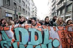 Dimostrazione di allievo a Milano il 14 dicembre 2010 Immagini Stock Libere da Diritti