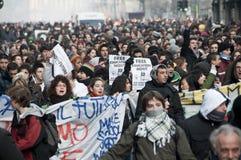 Dimostrazione di allievo a Milano il 14 dicembre 2010 Fotografie Stock Libere da Diritti