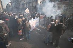 Dimostrazione di allievo a Milano il 14 dicembre 2010 Fotografia Stock Libera da Diritti