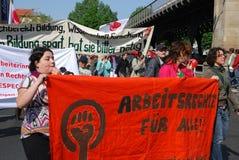 Dimostrazione il giorno di maggio a Berlino fotografie stock libere da diritti