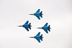 Dimostrazione militare di volo sull'esposizione di aria 2009 Fotografia Stock