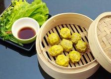 Dimsum cocido al vapor chino Foto de archivo libre de regalías