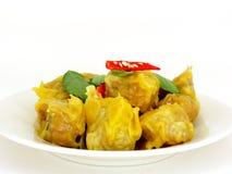 Dimsum cocido al vapor chino de la bola de masa hervida con el chile Imagen de archivo