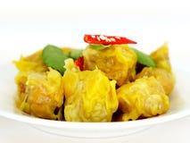 Dimsum cocido al vapor chino de la bola de masa hervida con el chile Foto de archivo
