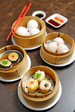 Dimsum cuit à la vapeur chinois Photo stock