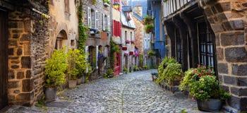Dinan, mittelalterliche Stadtmitte, Bretagne, Frankreich lizenzfreies stockbild