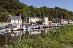 Dinan Port på Rance River, Breton Arkivbilder
