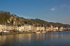 Dinant - la ciudad encantadora en el río de la Mosa fotos de archivo libres de regalías