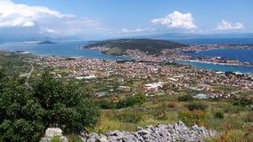 Dinaric-Alpen und adriatisches Meer Lizenzfreie Stockfotos