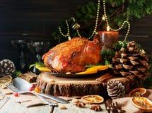 Dinde cuite au four pour l'espace de dîner de Noël ou de nouvelle année pour le texte Photo stock
